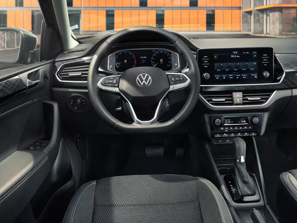 vw_polo_new_004.png